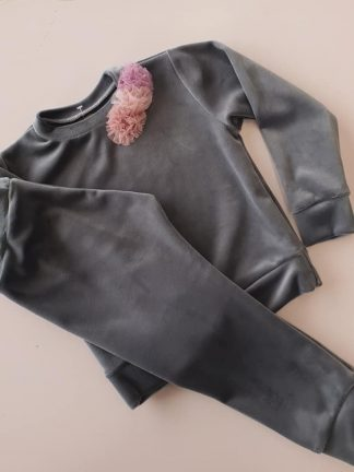 Laisvalaikio kostiumėliai mergaitėms